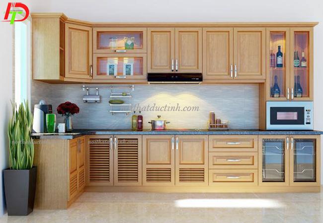 tủ bếp gỗ tự nhiên bền đẹp hiện đại