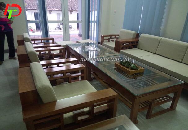 Bộ bàn ghế gỗ BG13 thiết kế dành cho phòng khách có không gian rộng