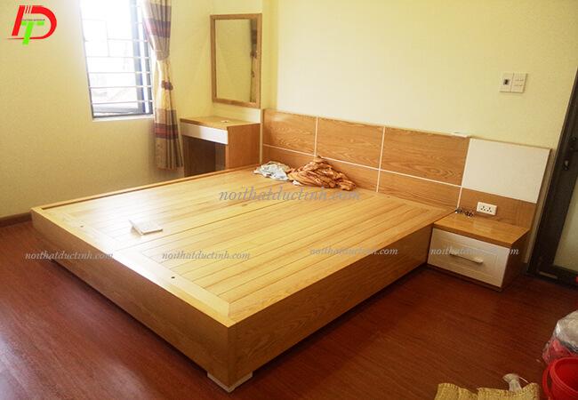 Giường hộp gỗ tự nhiên GN22
