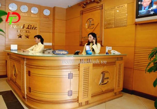 Quầy lễ tân khách sạn QLT05