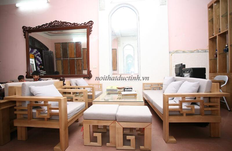 sofa gỗ phòng khách thực tế bg01