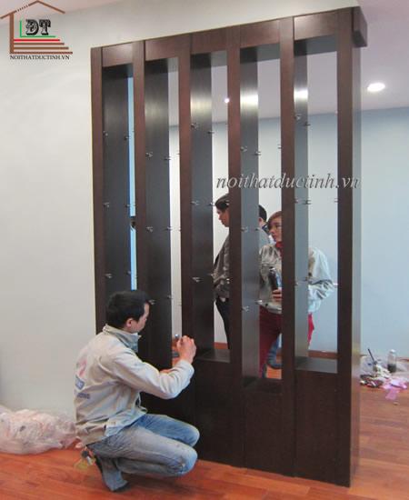 vách ngăn phòng khách gỗ thiết kế đơn giản, tiện dụng